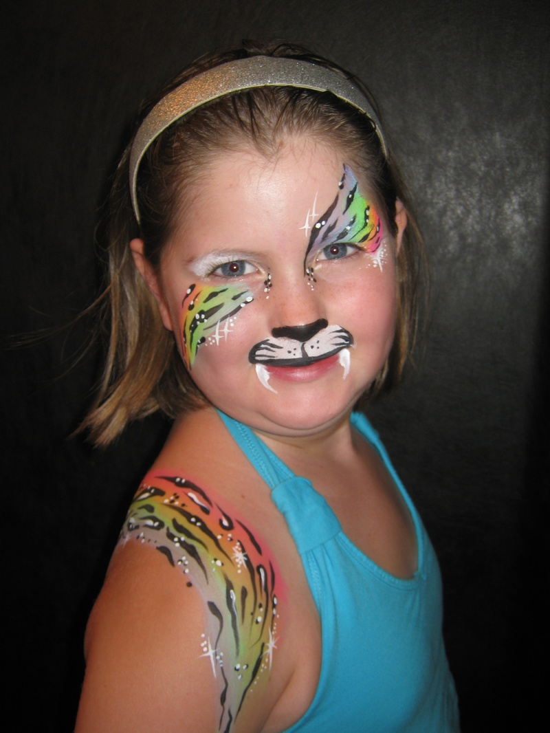 Rainbow Tiger eyes and arm design