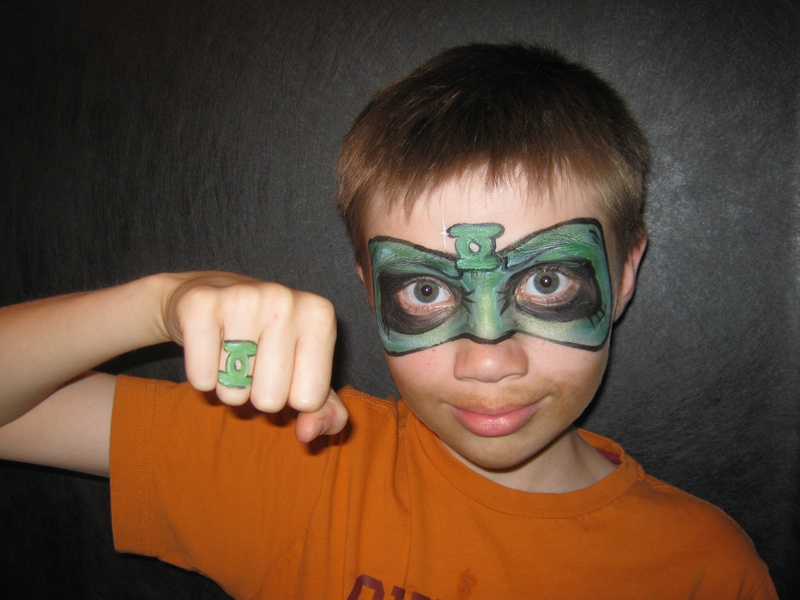 Green lantern mask face paint - photo#10